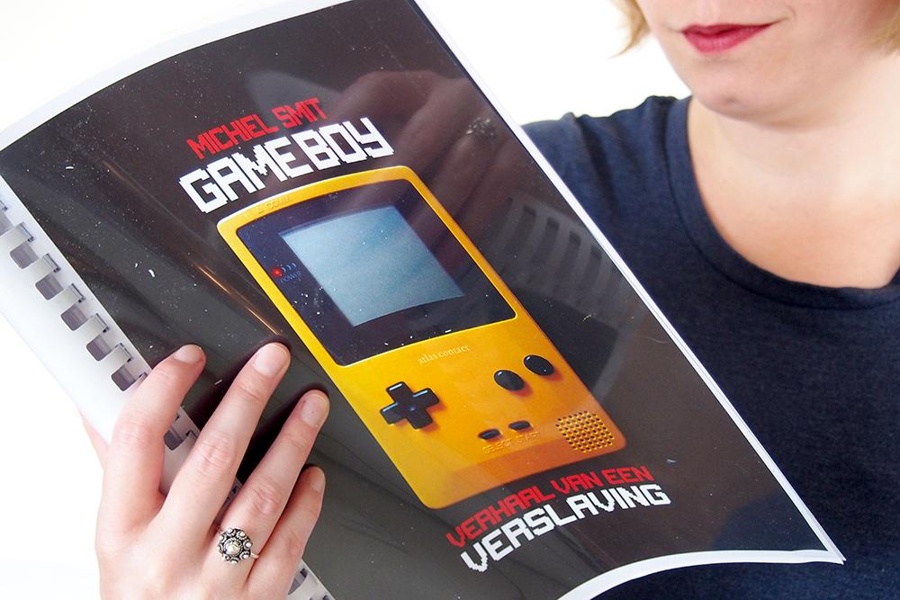 https://www.boekvinder.be/wp-content/uploads/2018/06/Gameboy-1.jpg