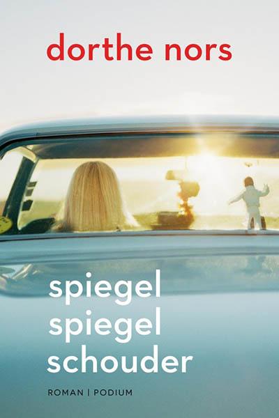 Spiegel spiegel schouder: een rijbewijs als symbool voor de vrijheid